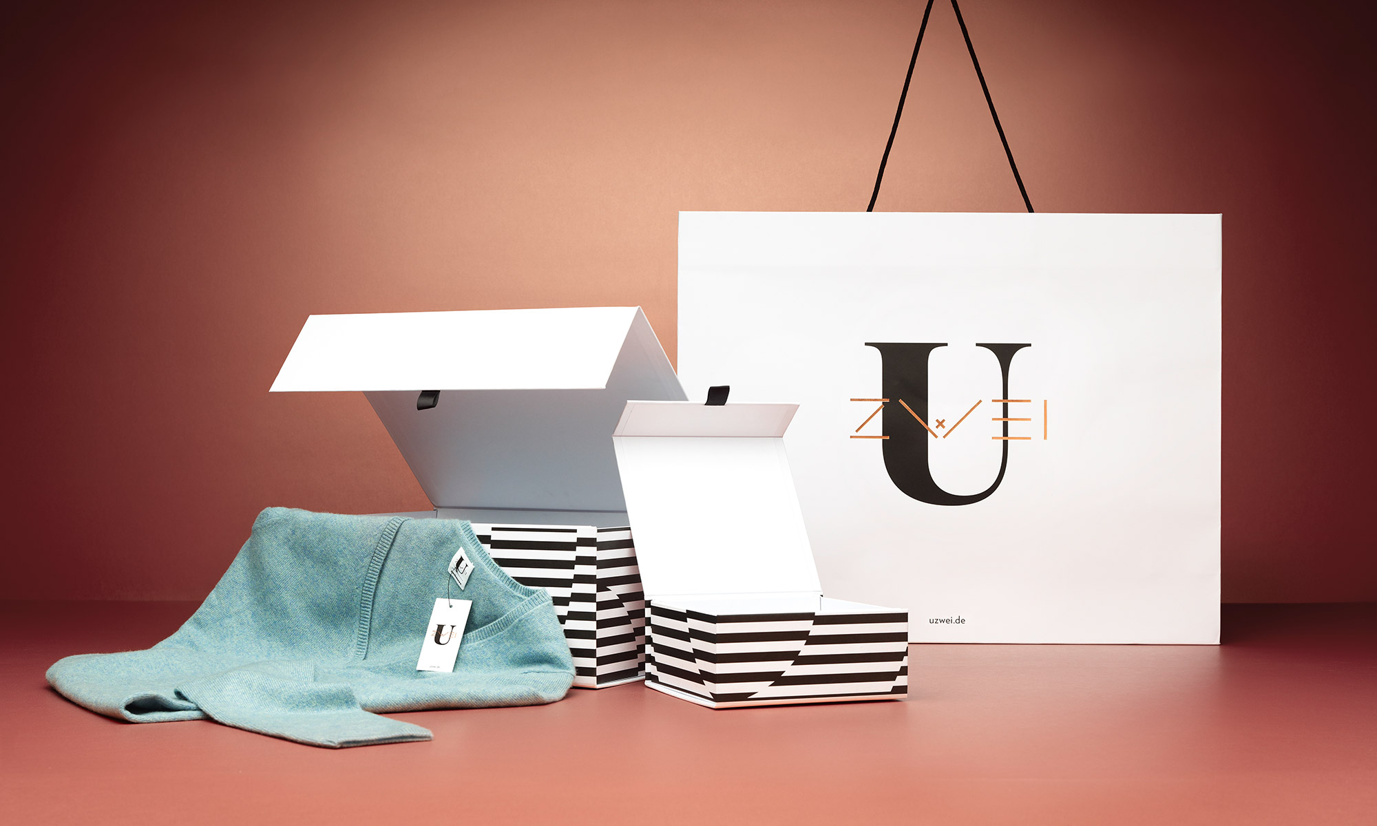 Uzwei Editorial Store Branding